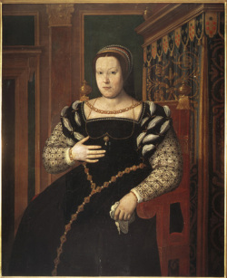 Fig. 15. Portrait of Catherine de Medici by Santi di Tito, (1536–1603) []