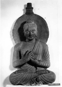 Fig. 38. Buddha. Loriyān-Tangai. H. 73 cm. Indian Museum, Kolkata. Courtesy American Institute of Indian Studies Photo Archive.