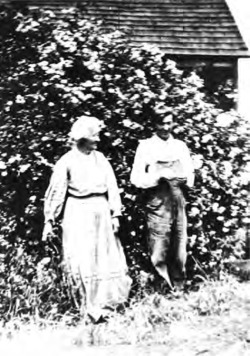 Figure 2. Henry Cowell and his mother, Clarissa Dixon, ca. 1914. Courtesy of New York Public Library for the Performing Arts and the David and Sylvia Teitelbaum Fund, Inc.