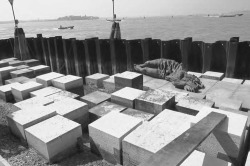 2. Monument to the Partisan Woman, pictured during restoration work. Photo graph courtesy the Office for the Protection of Architectural, Natural, Historic, Artistic, and Ethno Anthropological Heritages in Venice and Its Lagoon, Comune di Venezia.