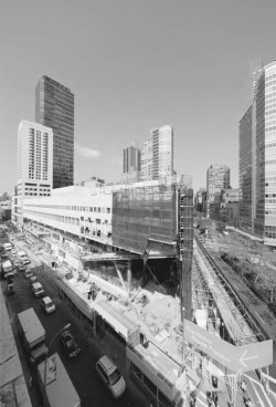 5. Juilliard School / Alice Tully Hall under construction, 2008. The overhanging southeast corner opens vistas of the entire Lincoln Center site just to the south. Photograph by Iwan Baan.