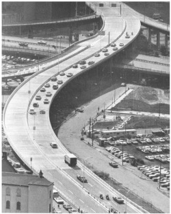 Figure 6. The renovated Skyway opens, 1976. Buffalo Courier Express Library Collection, Courtesy, E. H. Butler Library Archives, Buffalo State College.
