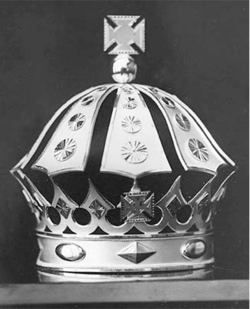 Figure 3. Crown placed on Lili'uokalani's casket, 1917.<br/><br/>Courtesy Hawai'i State Archives.