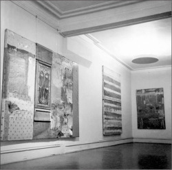 Fig. 1. Robert Rauschenberg, Installation view of Joyeux Noël, Egan Gallery, New York, December 13, 1954–January 22, 1955. Works shown are Rauschenberg's Untitled, Yoicks, and Untitled (all 1954). Photo by Robert Rauschenberg.