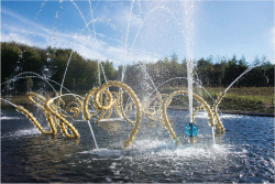 Figure 1. Jean-Michel Othoniel, The Beautiful Dances, Versailles 2015. Fountain sculptures for the Water Theater grove, Gardens of the Palace of Versailles. Photo: Thomas Garnier.