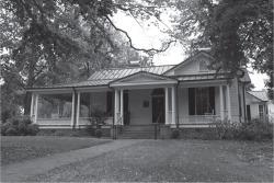 Fig. 1. Center for the Study of the American South, Love House, University of North Carolina at Chapel Hill. Photograph by Caroline Culler. Image appears under the Creative Commons Attribution-Share Alike 3.0 Unported license.