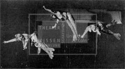 Figure 19. The Rheintōchter attract Alberich, Das Rheingold (Richard Wagner), Bucharest, 1908. Unidentified newspaper clipping. TWS.